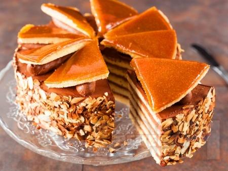 Класическа рецепта за торта Добуш с карамелена глазура - снимка на рецептата